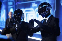 "Musicians Thomas Banglater and Guy-Manuel de Homem-Christo of Daft Punk pose at the world premiere of the film ""TRON: Legacy"" in Hollywood, California, December 11, 2010."