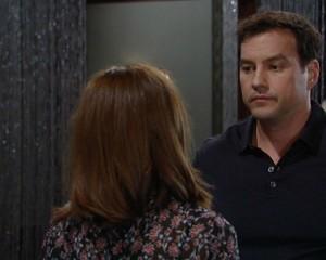 Nikolas begins questioning Hayden on the February 10, 2016 episode of 'General Hospital'
