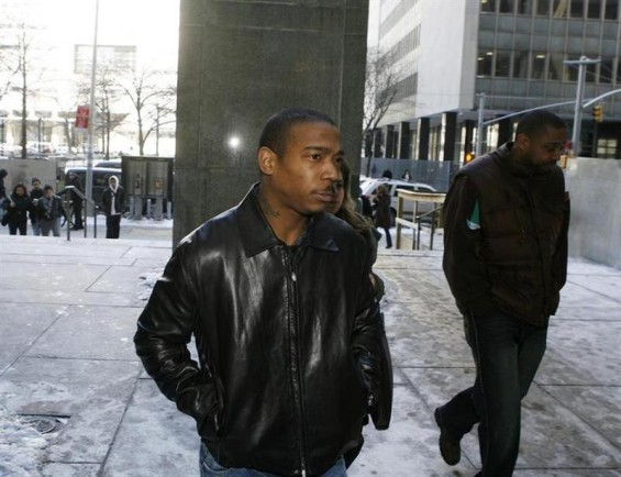 Rapper Ja-Rule arrives at Manhattan Criminal Court for a hearing in New York March 4, 2009.