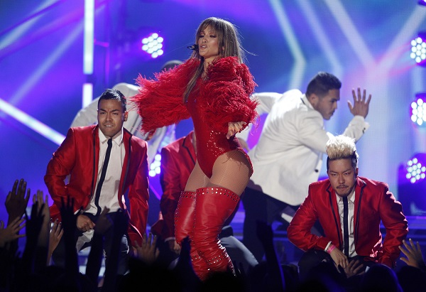Jennifer Lopez at the 2013 Billboard Music Awards
