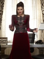 Once Upon A Time Season 3 SPOILERS: Will There Be More Regina? Plus, The Hook-Up You Won't See