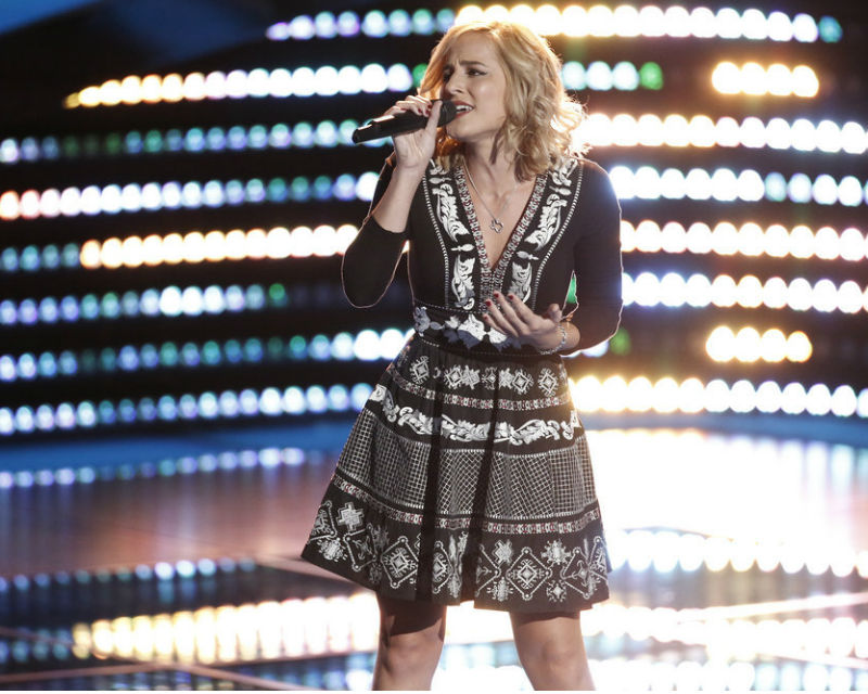Kata Hay sings 'Redneck Woman' on The Voice 2016 Blind Auditions