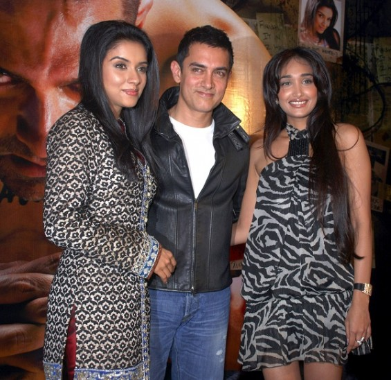 Jiah Khan, far RIGHT