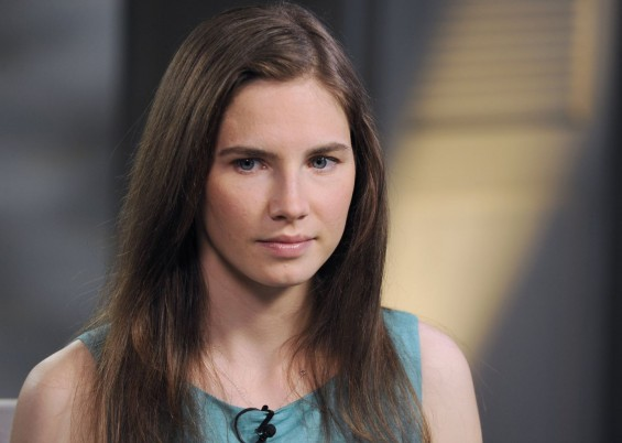 Amanda Knox Meets With Ex-Boyfriend Ahead Of Retrial [PHOTOS]