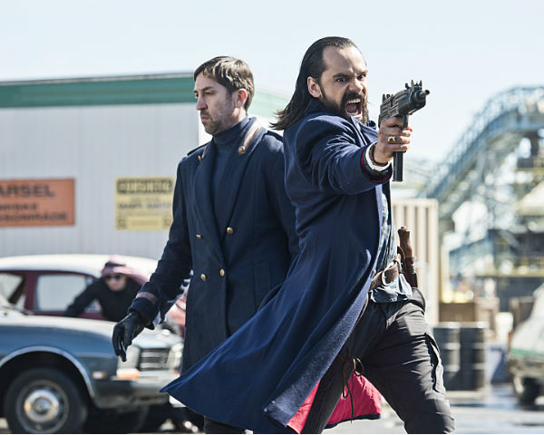 'Legends Of Tomorrow' Spoilers: 'Everything Is Up For Grabs'; From New Heroes To Old Foes, Get The Scoop On The Finale [VIDEO] : TV/Reality TV : Enstarz