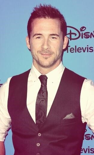 Barry Sloane, 'Revenge' Star