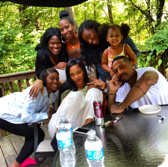 Stevie J, Joseline Hernandez and his children