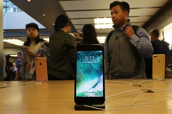 iPhone 8, Samsung Galaxy X, Samsung Galaxy S8, OnePlus 4 And More [VIDEO]