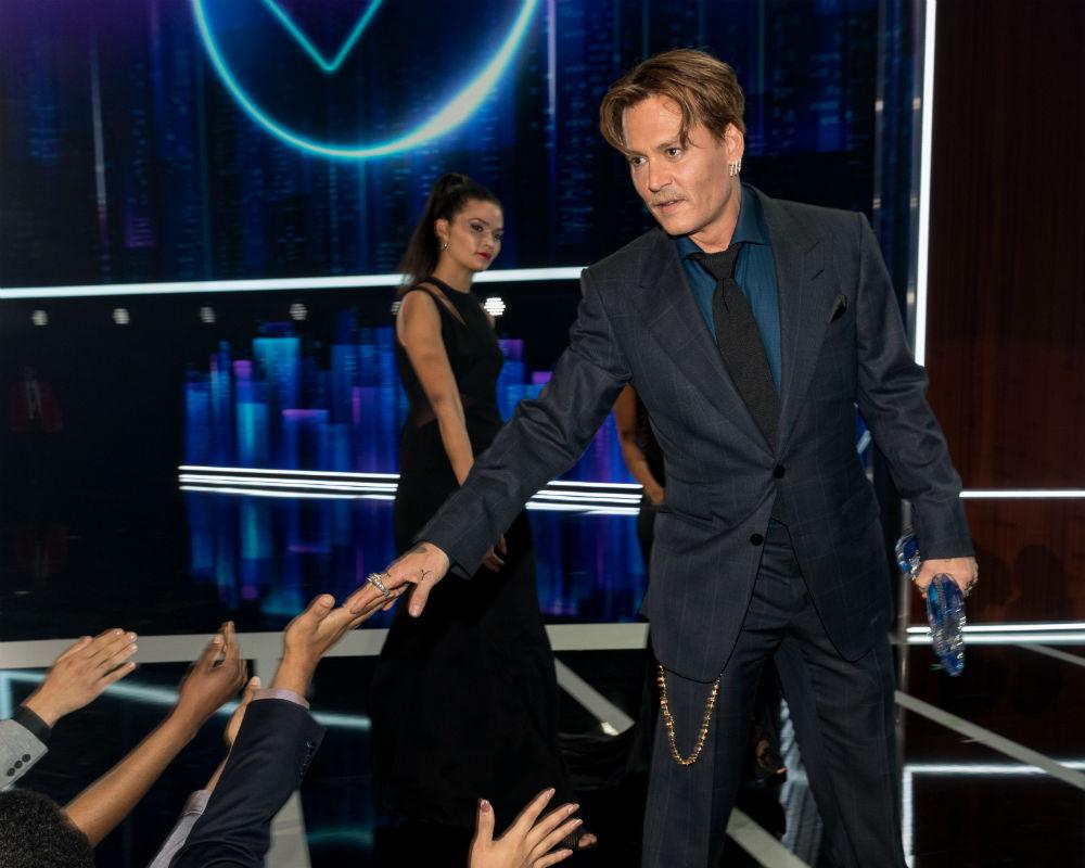 Johnny Depp Broke: Actor Spends $2 Million Per Month On ... Johnny Depp Broke