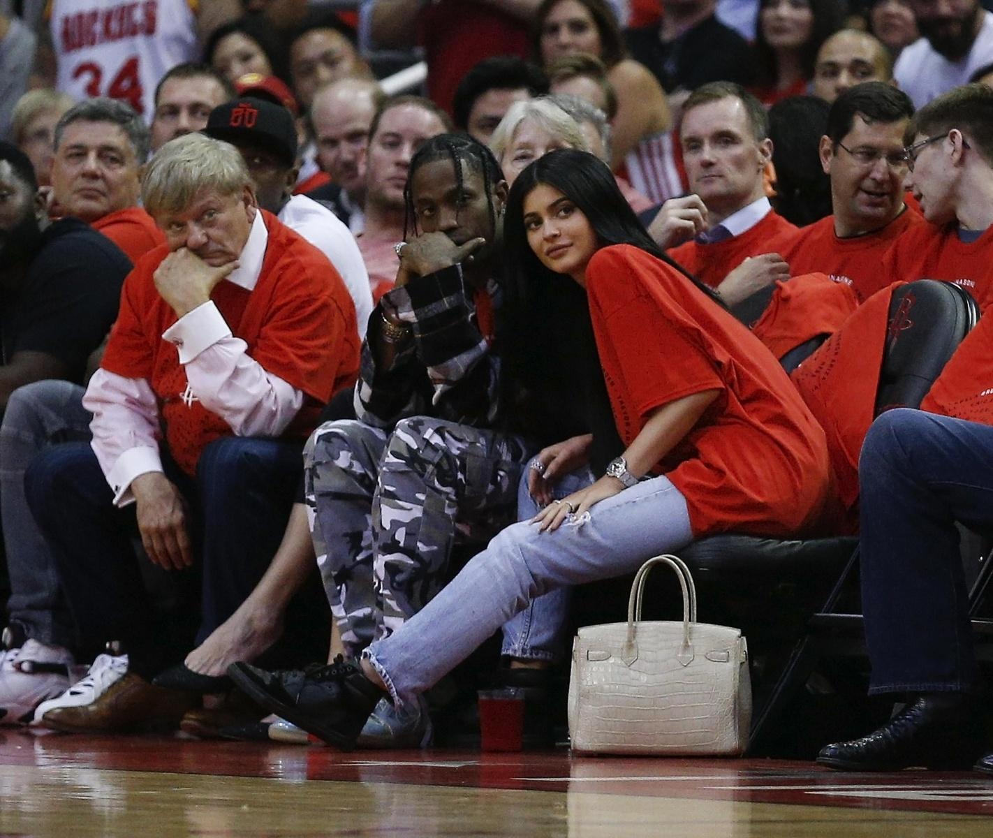 Kylie Jenner & Travis Scott Make It a Court Side Date Night!