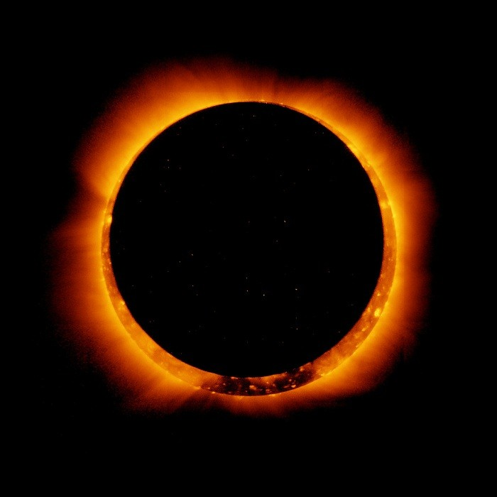 http://images.enstarz.com/data/images/full/2012/05/19/2431-solar-eclipse.jpg
