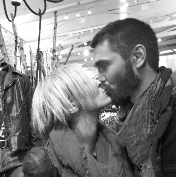 Chad Michael Murray and Nicky Whelan making their relationship public on Twitter