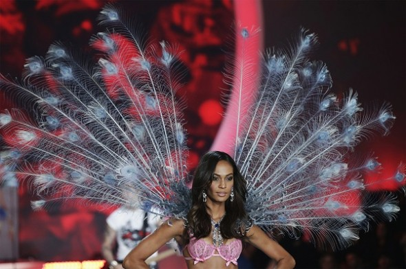 joan-smalls-at-the-2013-vs-fashion-show