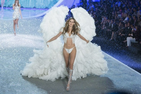 behati-prinsloo-at-the-2013-victorias-secret-fashion-show