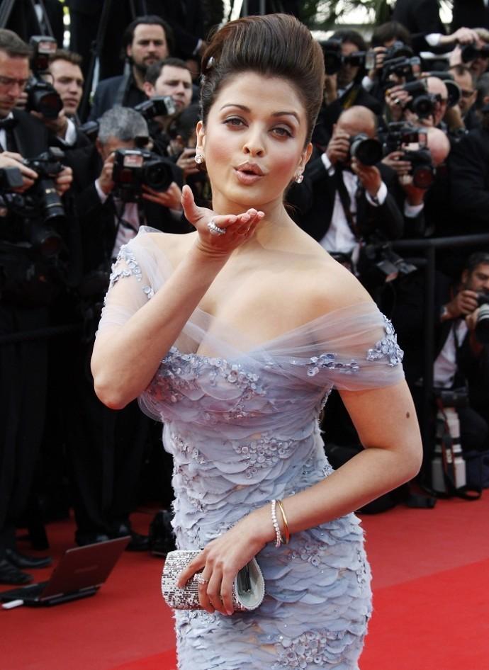 Aishwarya Rai Criticized For Not Losing Baby Weight; Fan Says She ...