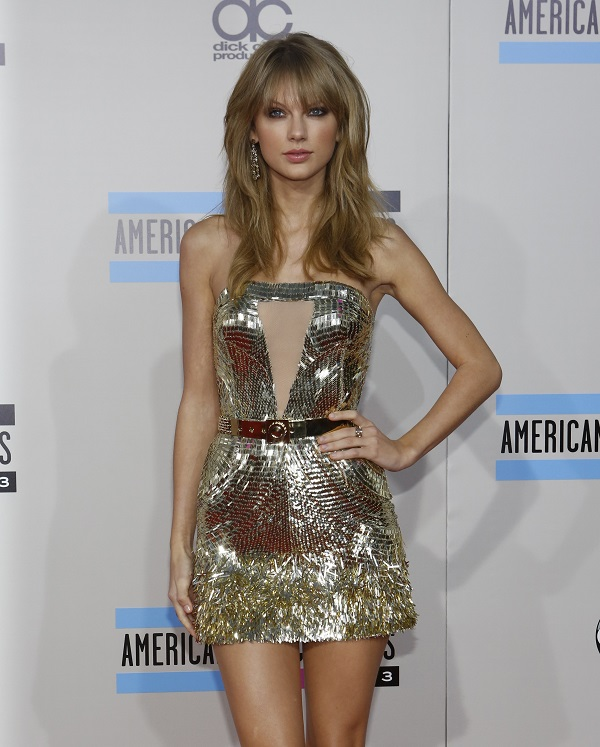Taylor Swift  at the 2013 American Music Awards