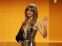 Taylor Swift Made More Money Than Justin Timberlake, Beyonce and Jay Z in 2013 [VIDEO]