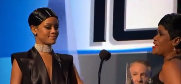 Rihanna Accepts ICON Award 2013 AMAs