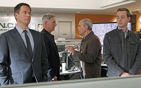 http://images.enstarz.com/data/images/full/23371/ncis.jpg?w=600