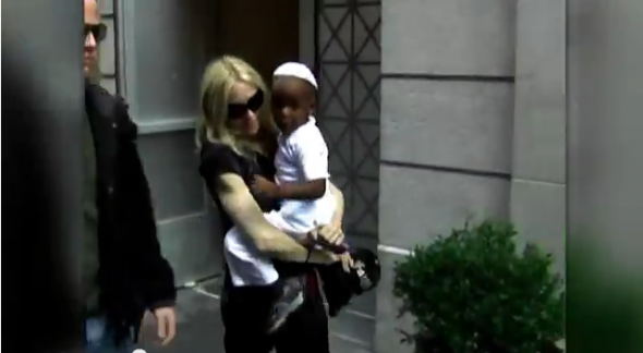 madonna-with-son-david-banda
