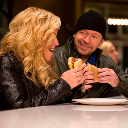 Jenny McCarthy and Donnie Wahlberg Trying the Jenny's Chicago Dog Burger on 'The Wahburgers'