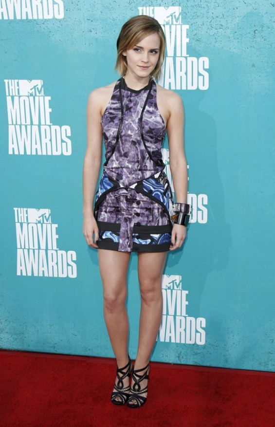 Actress Emma Watson arrives at the 2012 MTV Movie Awards in Los Angeles June 3, 2012.