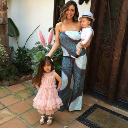 Mario Lopez Easter PHOTO