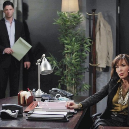 E.J. Angrily Confronts Kate on 'Days of Our Lives'