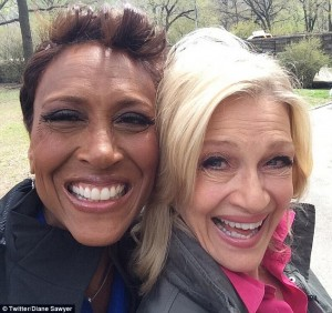 Robin Roberts and Diane Sawyer take a Selfie
