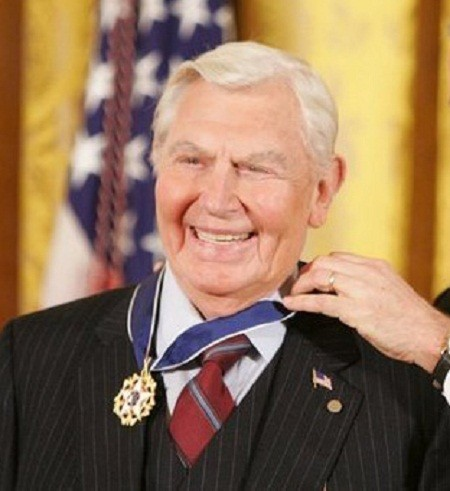 Andy Griffith, Tony Award-nominated and Emmy Award-nominated American actor, producer, writer, director and Grammy Award-winning southern gospel singer. Image taken as President George W. Bush presents him the Presidential Medal of Freedom.