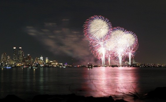 Fireworks explode over the Hudson River and the skyline of New York during the Macy's Independence Day celebration as seen from North Bergen, New Jersey, July 4, 2011.