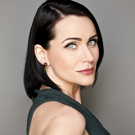 Quinn seduces Deacon on the October 21, 2014 episode of 'The Bold and the Beautiful'