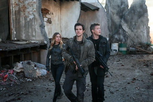 Falling Skies\' Season 5: Hal, Ben & Maggie Love Triangle Gets A ...