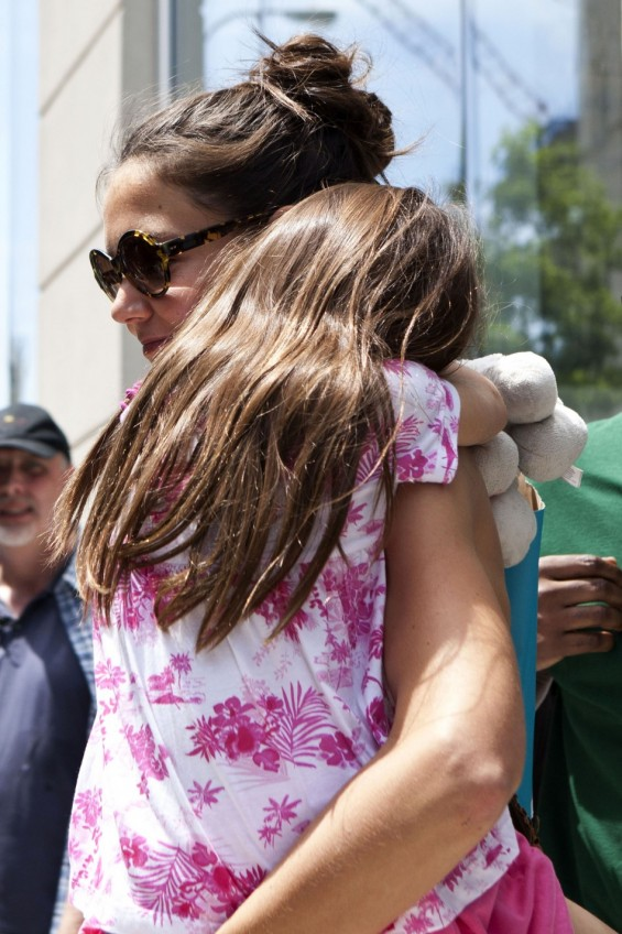 Katie Holmes And Daughter Suri Cruise