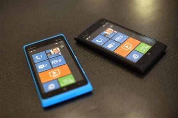 Nokia Lumia 900 cellular telephone
