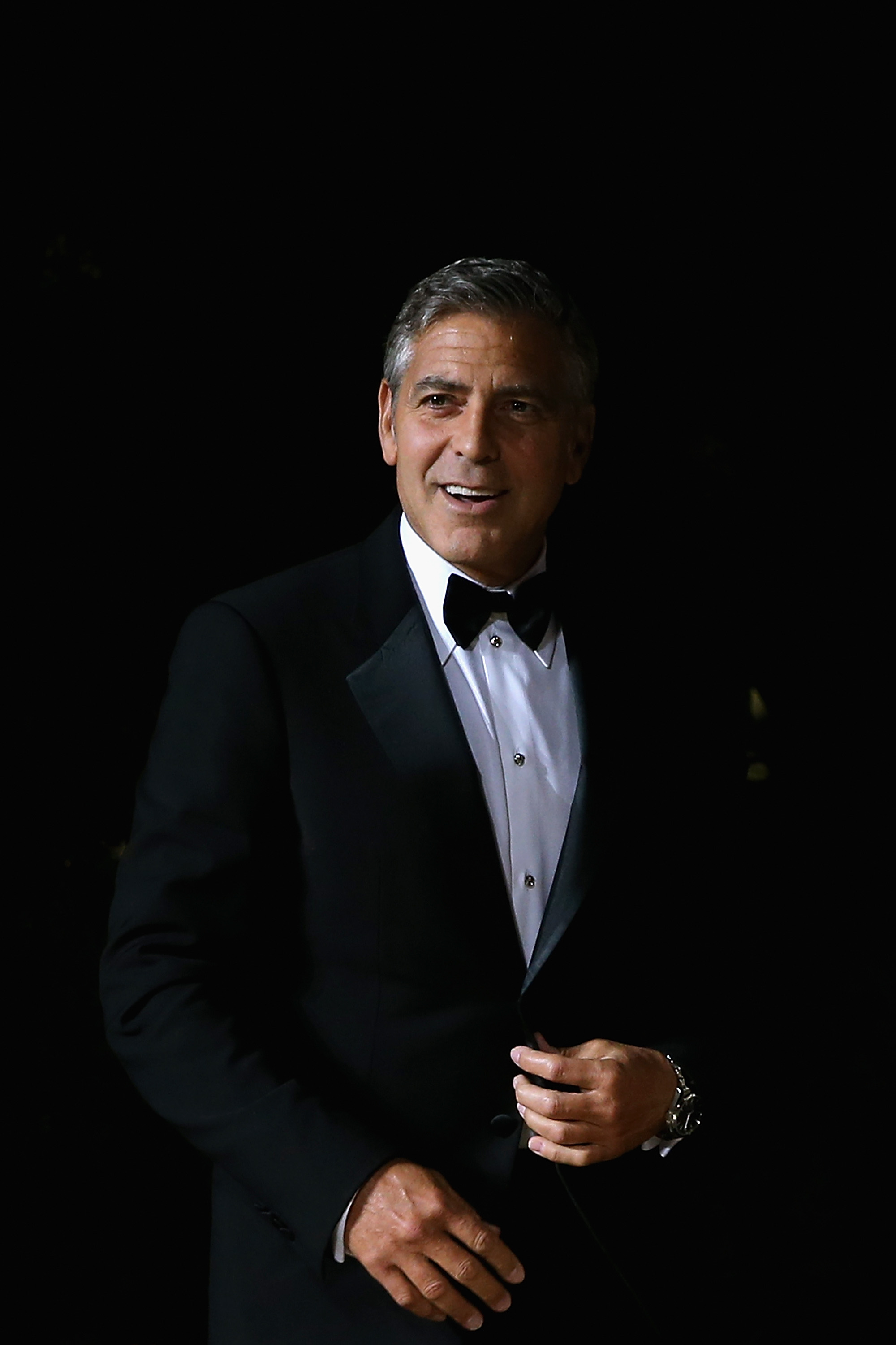 News george clooney publicly apologizes for nipples on the suit