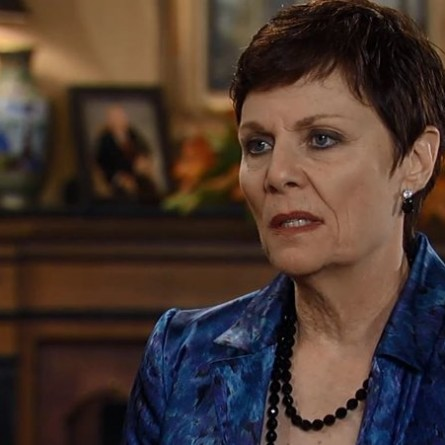 Tracy will be driven to desperate measures to save Luke on the October 23, 2014 episode of 'General Hospital'