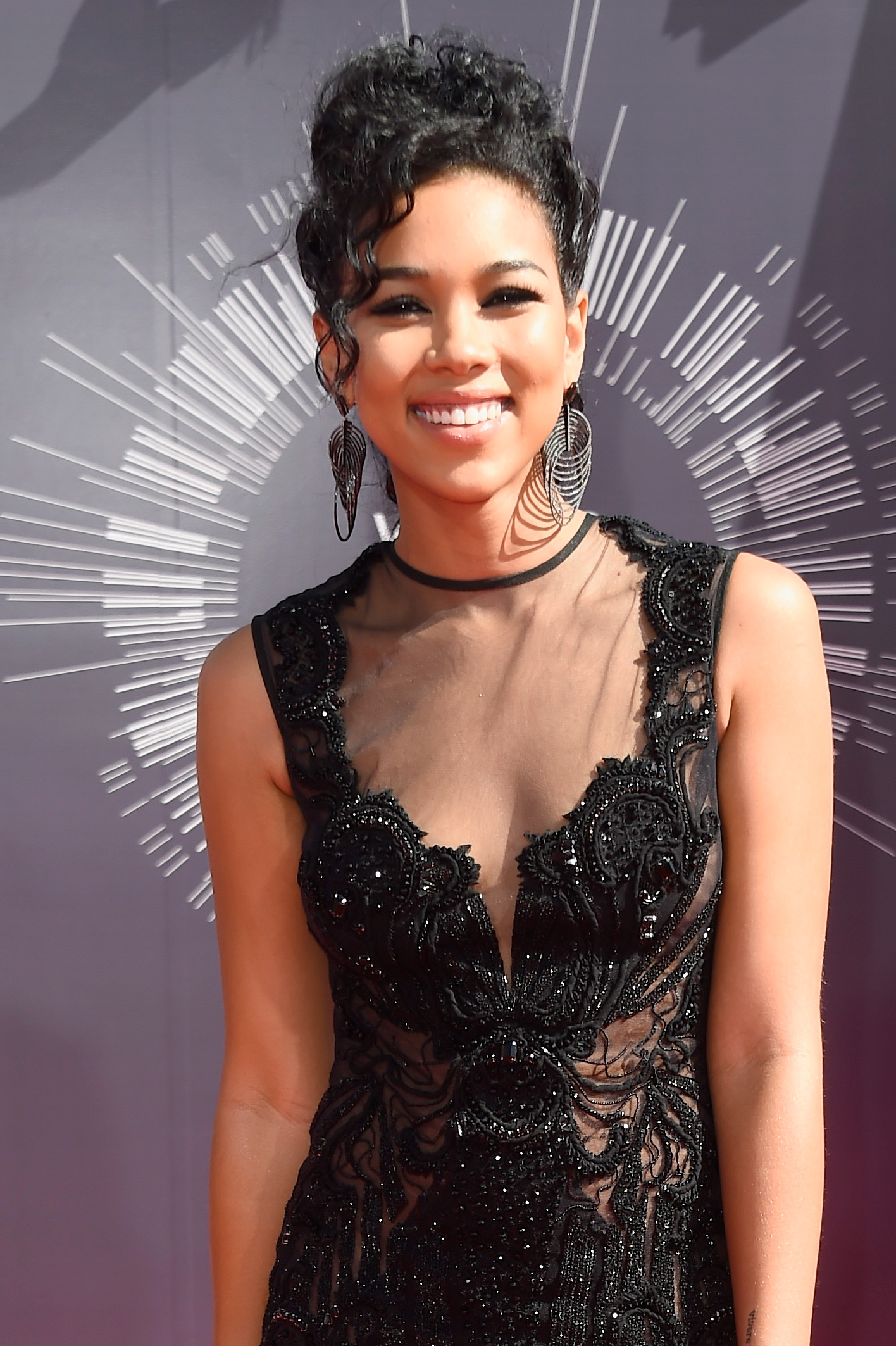 Aaliyah Lifetime Movie Actress: Alexandra Shipp Opens Up About Backlash After Taking On Role, 'It's Hard' [VIDEO] : Videos : Enstarz‎