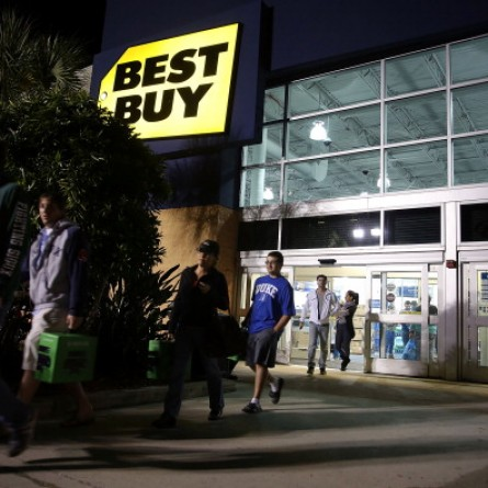 Shoppers Take Advantage of Black Friday Deals, Nov. 29, 2013