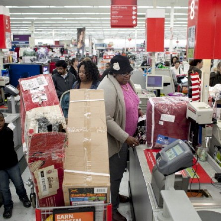 Holiday shoppers seeking out deals on Black Friday 2012