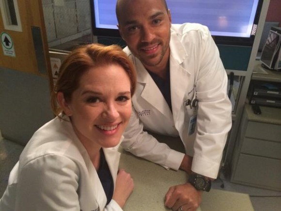 Sarah Drew and Jesse Williams on the set of  Grey s Anatomy    Photo    Jesse Williams And Sarah Drew