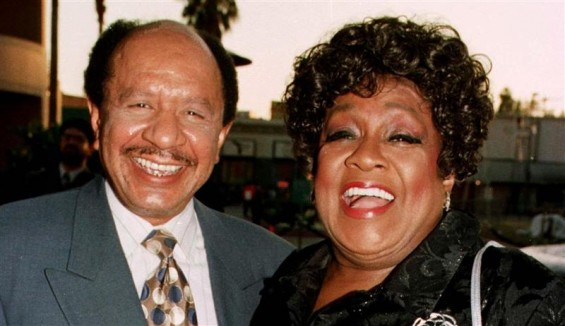"Sherman Hemsley (L) and Isabel Sanford, the stars of the popular television series ""The Jeffersons"" pose as they arrive for the premiere screening of the new television special ""50 Years of Television"