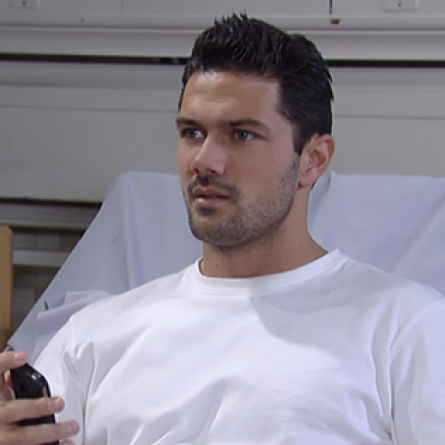Nathan comforts Maxie after her custody hearing on the Dec. 17, 2014 episode of 'General Hospital'
