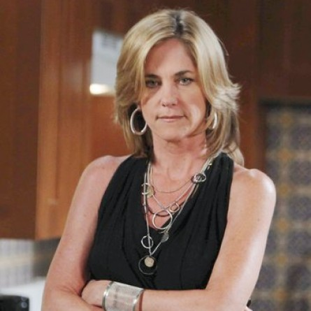 Eve manipulates Shane's condition to her advantage on the Dec. 18, 2014 episode of 'Days of Our Lives'
