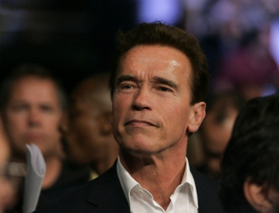 California Governor Arnold Schwarzenegger looks on before the Bernard Hopkins versus Joe Calzaghe light-heavyweight boxing fight at the Thomas & Mack Center in Las Vegas, Nevada April 19, 2008.
