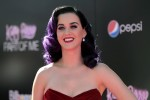 Katy Perry News: Sources Claim Singer, Robert Pattinson Have 'Fallen For Each Other'