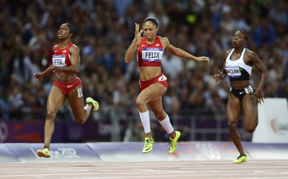 Allyson Felix of the U.S. (3rd L) runs on her way to winning the women's 200m final during the London 2012 Olympic Games at the Olympic Stadium August 8, 2012.