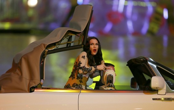 Singer Jessie J performs during the closing ceremony of the London 2012 Olympic Games at the Olympic Stadium, August 12, 2012. 