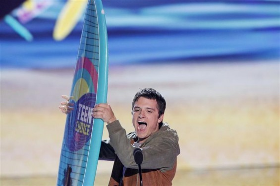 Actor Josh Hutcherson accepts the Choice Movie Actor: Sci-Fi/Fantasy Award at the Teen Choice Awards at the Gibson amphitheater in Universal City, California July 22, 2012.