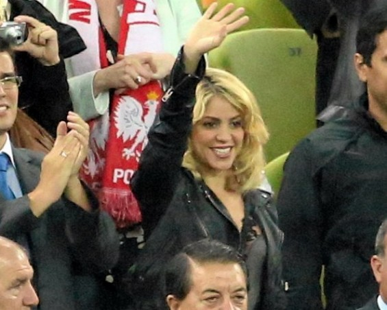 Colombian singer Shakira (C) is pictured in the stands during the Group C Euro 2012 soccer match between Spain and Ireland in Gdansk June 14, 2012. Picture taken June 14.